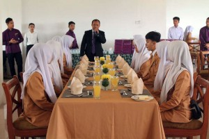 Pelatihan Table Manner
