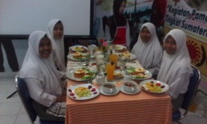 KEGIATAN TABLE MANNER SMK BM PANCA BUDI