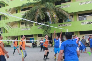 Pertandingan Bola Volley pada HUT Kampus Panca Budi