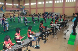 "Drumband Panca Budi Perdagangan mengikuti kejuaraan marching band tingkat Sumatera Utara dan Aceh dalam kejuaraan bernama ""Istana Marching Band Pearl Competition (IMPC) With Sandinusa International Marching Band Championship (SIMBC)"" yang digelar dari tanggal 10 – 12 Februari 2017, dilangsungkan di GOR Dispora Sumut."